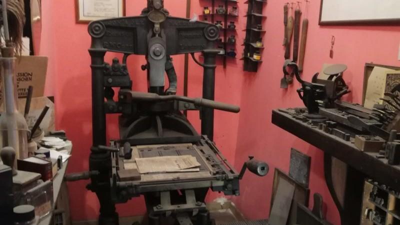 esempio di torchio tipografico a napoli