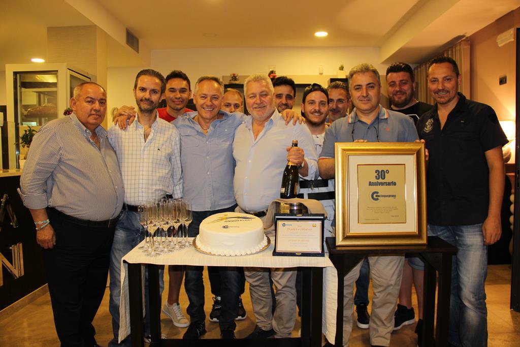 lo staff della lito cinquegrana festeggia il trentesimo anniversario