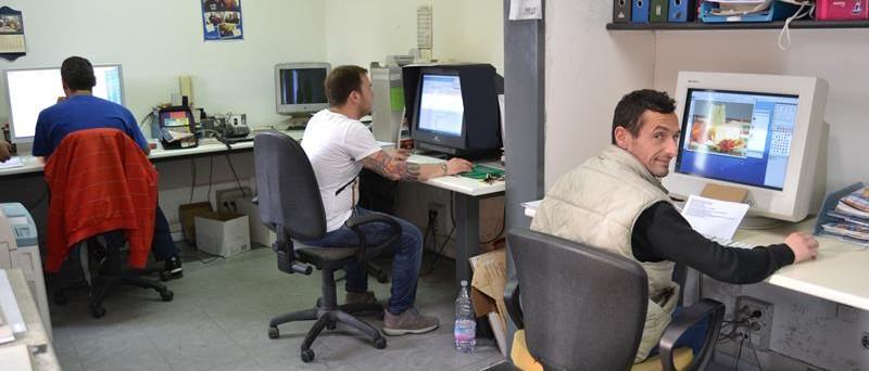 grafici lito cinquegrana a lavoro agli inizi anni 2000