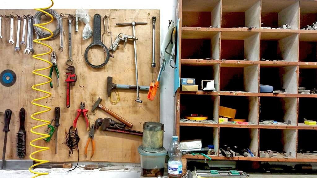 caos tra gli strumenti da lavoro per tipografia ancora usati