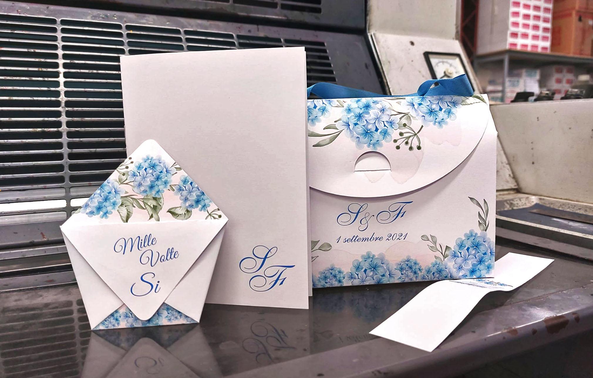 set elegante per matrimonio con libretto messa, porta confetti e packaging -
